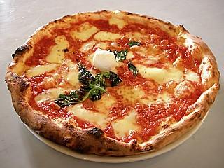 Pizza & Pasta Uno